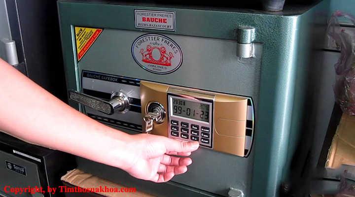Cách đổi mã két sắt điện tử