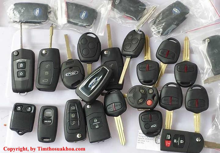 Chìa khóa remote xe ô tô sử dụng chíp từ