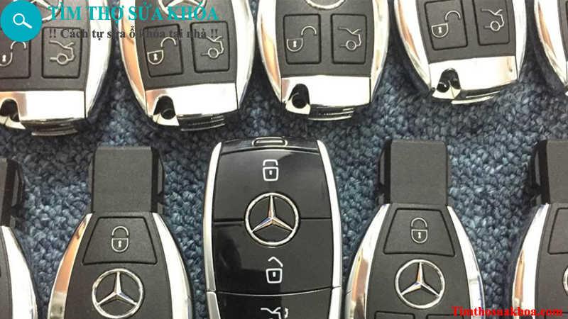 đánh chìa khóa xe Mercedes