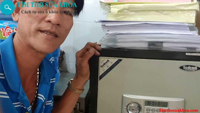 Thợ sửa khóa két sắt tại TPHCM