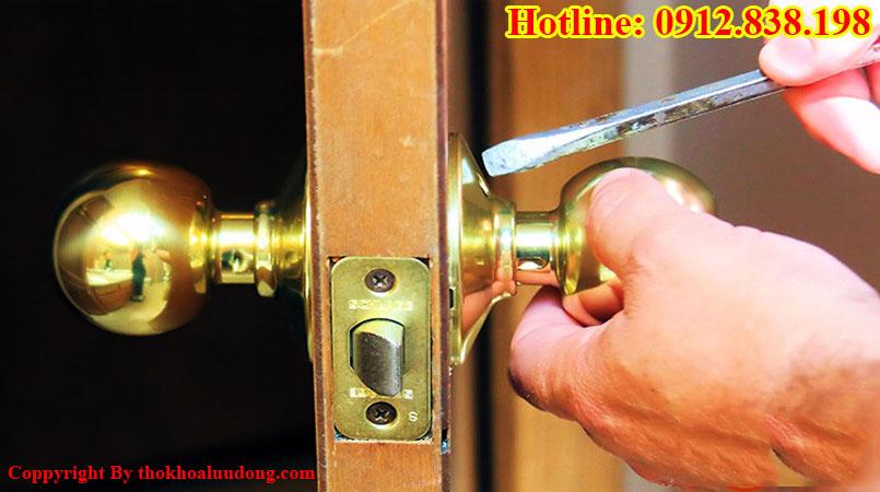 nhận sửa khóa cửa tay nắm tròn tại nhà