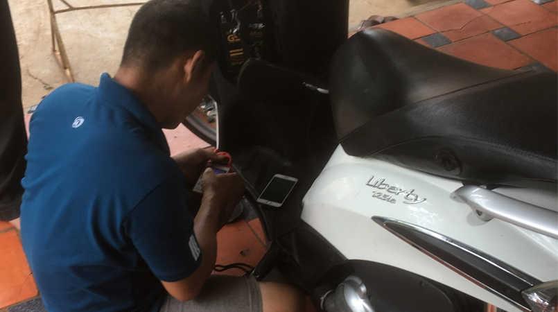 Thợ cài đặt chíp từ khóa xe Piaggio bị mất hết chìa
