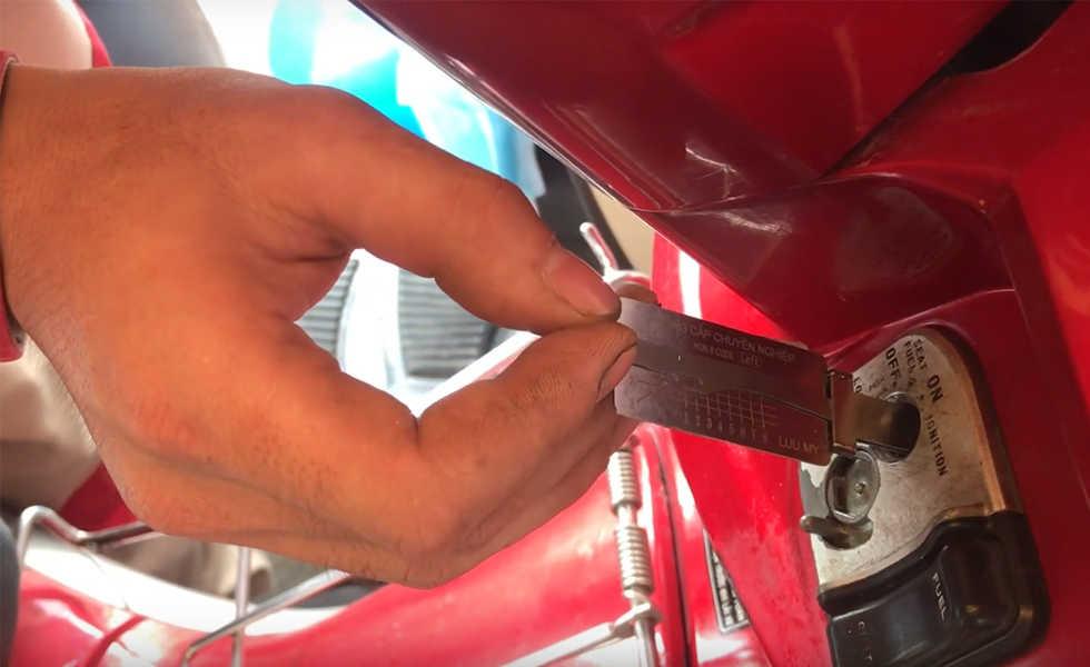 Cách làm chìa khóa xe mất hết chìa